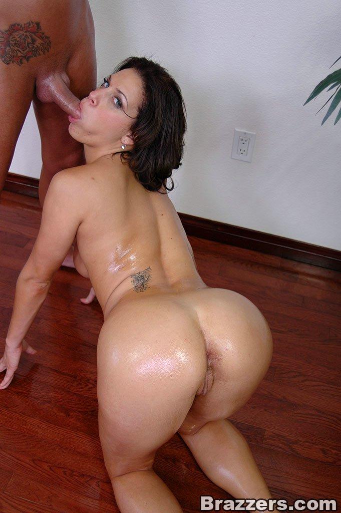 круглая сочная жопа мамаши порно фото